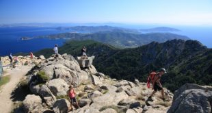 Escursioni a Capo Sant'Andrea. Foto di Roberto Ridi